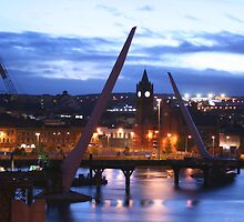 Peace Bridge under construction, Derry by NiallMcC
