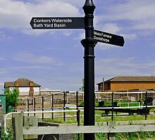 Ashby Canal Signpost, at Moira Lock by Rod Johnson