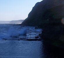 Bogey hole cliffs, Newcastle, NSW. Australia. by D4RKH0R53