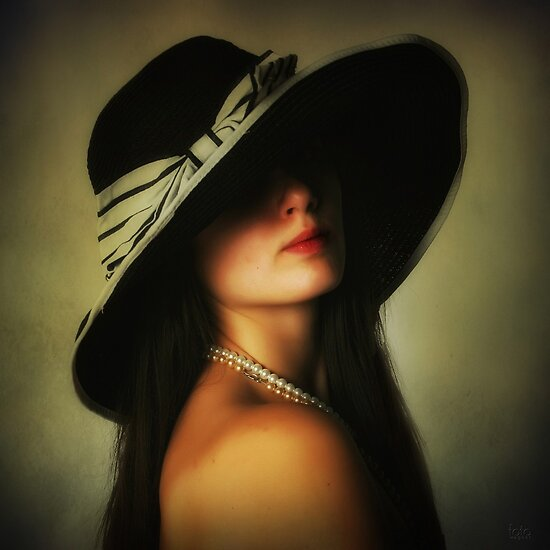 Black hat by fotowagner