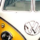 large VW bus by andytechie
