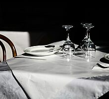 table for three. brunswick st, fitzroy, melbourne by tim buckley | bodhiimages