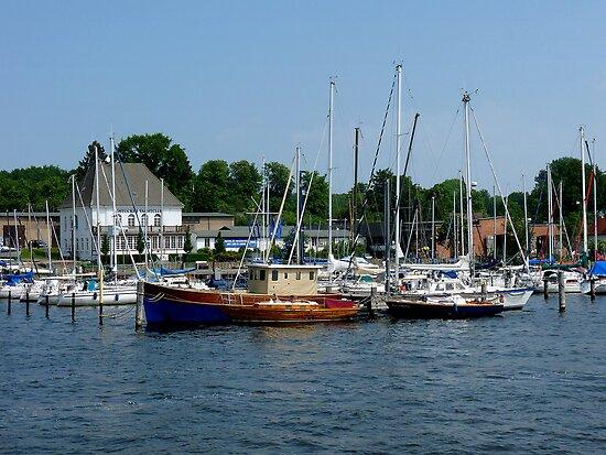 Rockstocker Yacht Club by Lucinda Walter