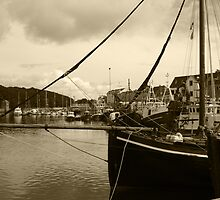 Stornoway Harbour by kalaryder