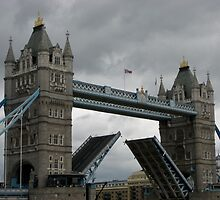 London Bridge by Becqi Sherman