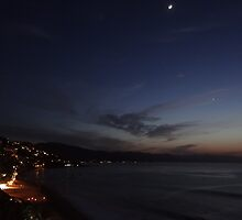 New Moon and Venus above the Bay of Banderas - Luna nueva y Venus arriba de la Bahia de Banderas by Bernhard Matejka
