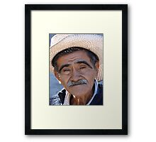 Old proud man - Hombre viejo y orgulloso Framed Print