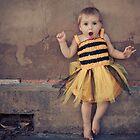 bee by mylittleeye