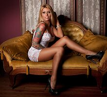Sitting Oh So Pretty by Swede