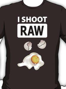 I shoot RAW (egg) - inverse T-Shirt