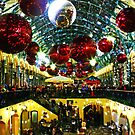 Christmas Time at Covent Garden, London by GlennB