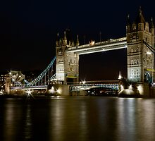 Tower bridge at night by Gary Rayner