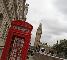 Can you get more London than this? by Renae Walton