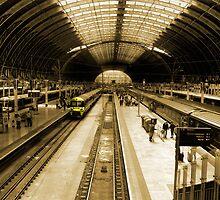 London Paddington by Rob Hawkins