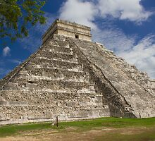El Castillo (Temple of Kukulkan) by Dean Cunningham