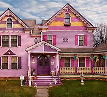 House - Victorian - I love bright colors by Mike  Savad