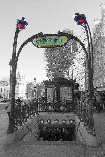 Paris Metro by Tom  Reynen