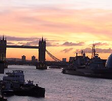 Sunrise on the eve of the 2011 Winter Solstice - London by MisterD