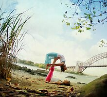 Acroyoga in Williamsburg, New York  by Wari Om  Yoga Photography