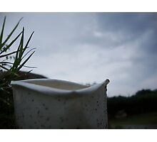 a broken cup in the rain ! Photographic Print