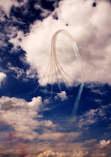 Red Arrows 4 by Epicurian