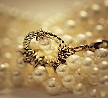 Pearls by lorrainem