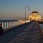 Coffe House at St. Kilda Beach by Mukesh Srivastava