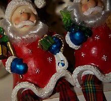 Twin Santas by grampsman