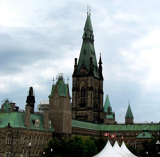 parliament buildings, Ottawa by Jeanette Muhr