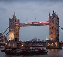 Tower Bridge by Chris Cardwell