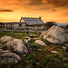 Craig's Hut - Mt Stirling by Hans Kawitzki