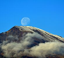The neck of the moon. 2 by Turi Caggegi