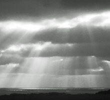 Yin & Yang sunrays by sarnia2