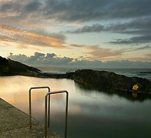 A very small lap pool near Coffs Harbour. by stufotoart