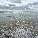 Glistening Sea... by LindaR