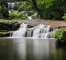The Flowing Falls by wbgraphy