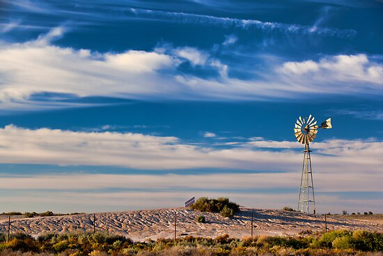 Catch the Wind - Mungo NP, NSW by Malcolm Katon
