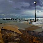 Narrabeen pool by Doug Cliff