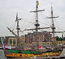 Frigate Shtandart  starboard side by Woodie
