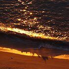 Sun Reflections and Shade of a Wave - Reflecciones de Sol y Sombra de una Ola by PtoVallartaMex