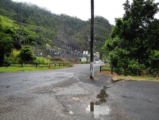 Tully Gorge - Kareeya Power Station by STHogan