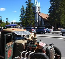 Car in Banff by zumi