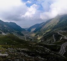 Transfagarasan Mountain by catalinpopro
