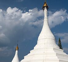 Wat Doi Gong Moo temple, Mae Hong Son province, Thailand. by Phil Bower