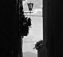 Walking around Pienza. by Michalis Dionisiou