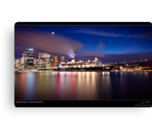 The Queen Mary ll Canvas Print