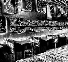 Solarized bar by ©  Paul W. Faust