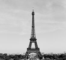 Eiffel Tower, Paris by Hugh O'Brien