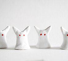 Albino bunnies by Sielukka