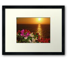 Springtide's Sunset In Yellow - Puesta Del Sol Amarillo En La Primavera Framed Print